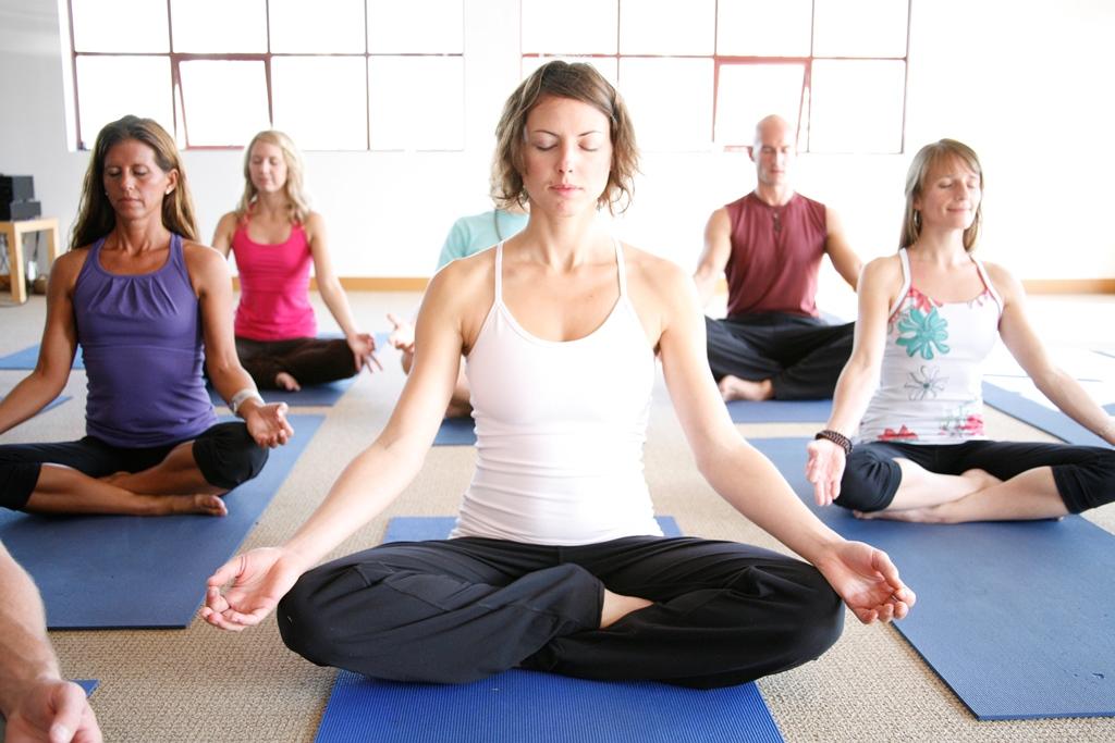 Top 10 To Choosing A Yoga Guru - Women Fitness