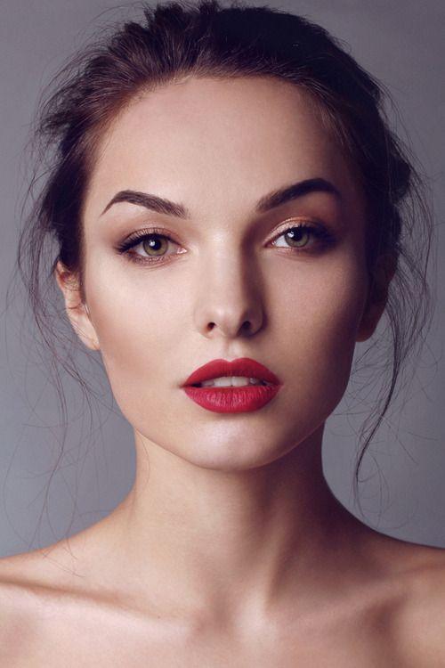 subtle makeup
