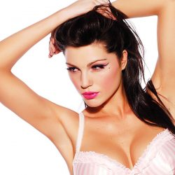 Louise Cliffe: International Model, Actress & Singer Reveals Her Success Mantra!
