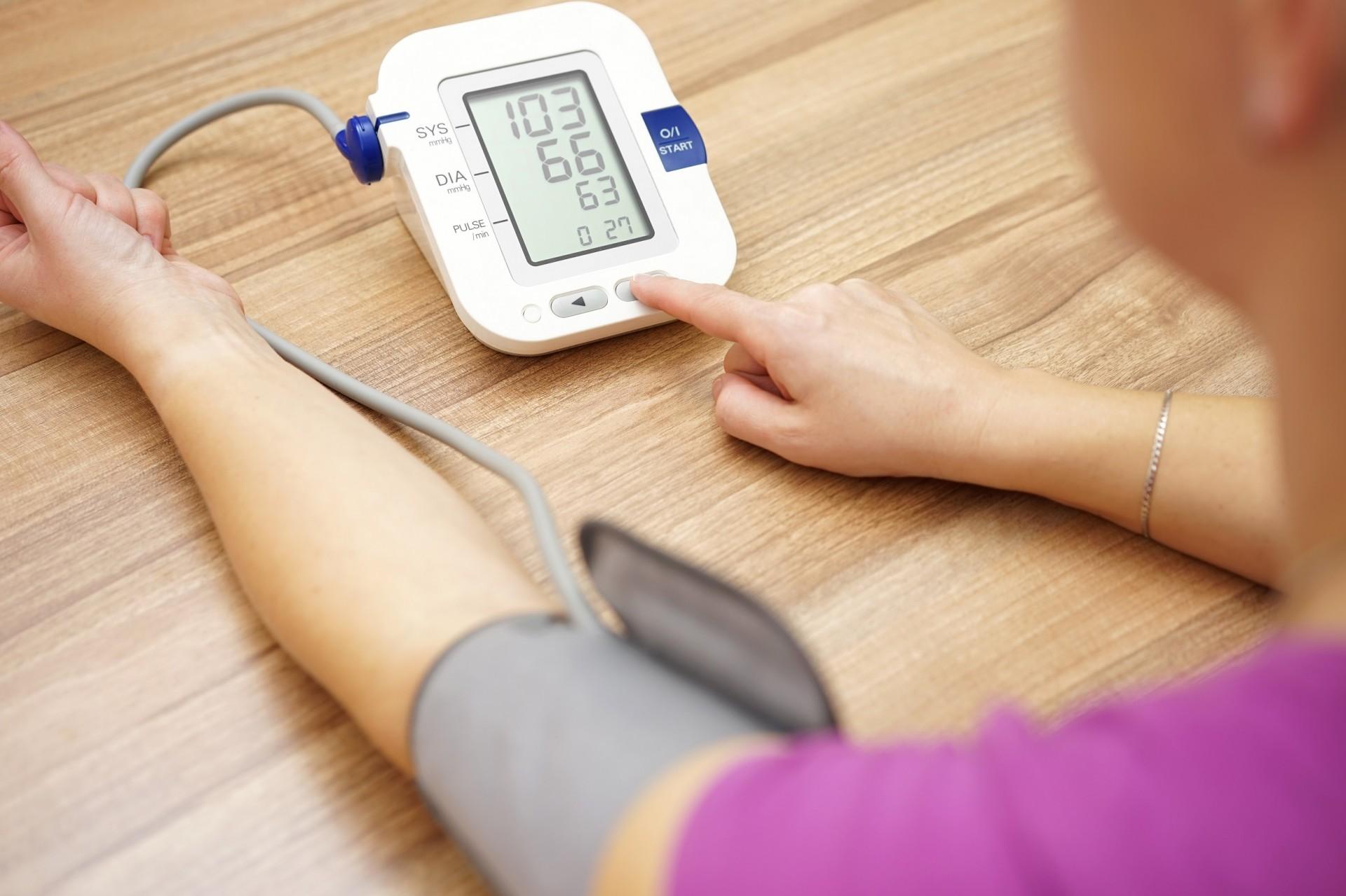Как измерить глазное давление в домашних условиях: приборы 33