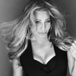In An Interview With Taylor Dayne: Pop Icon, Freestyle Music Singer-Songwriter & Actress