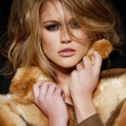 Scherri -Lee Biggs: Miss Universe Australia 2011 Unravel her Multifaceted Personality