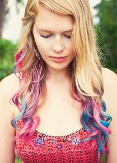 Craft-store Chalk: Answer to Temporary & Affordable  Hair Colour