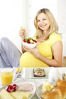 Top 10 Foods To Avoid with IVF Treatment