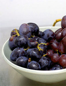 Health Benefits of Eating Black Grapes
