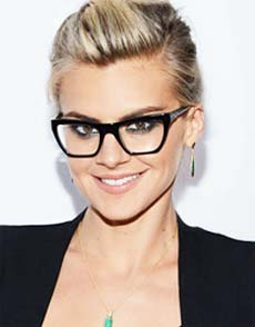 Choosing a Hairstyle That Complements Glasses