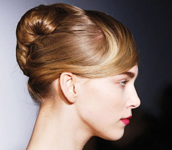 Top 10 Hairstyle Options for Christmas Party