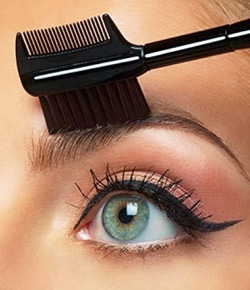 Top 10 Tips to Clean Make-up Brushes