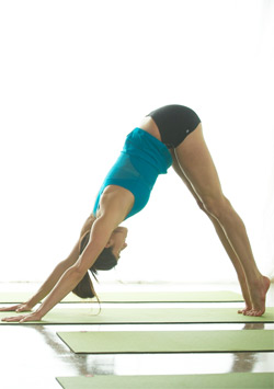 Yoga Asanas to Control Mindless Munching