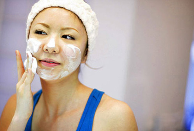 Facial Exercise: A Quick Refresher and Toner