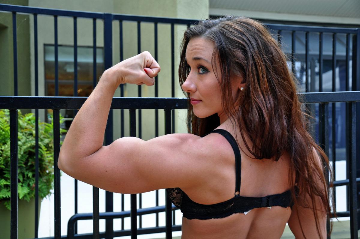 ... Fitness Model Reveals Her Workout & Diet Secrets - Women Fitness