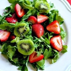 Arugula Salad with Kiwi, Strawberries and Pecans