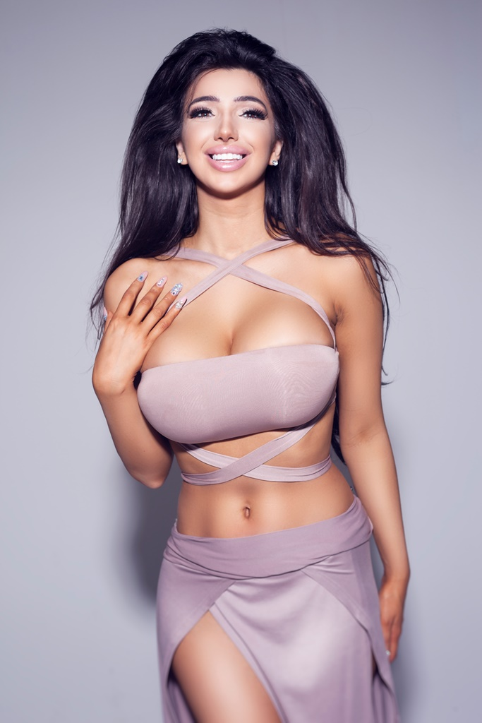Chloe Khan, Celebrity Big Brother 2016's star