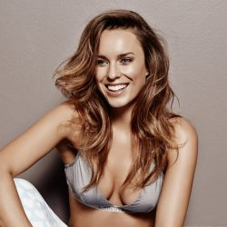 Stunning Actress Jessica McNamee On Living Her Hollywood Dream!