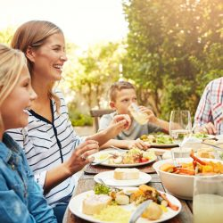 Frequent Family Meals Can Contribute to Obesity Prevention in Teenagers