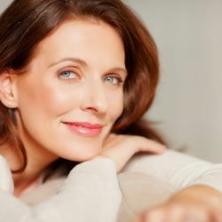 Top 10 Tips to Age Defy Your Make-up