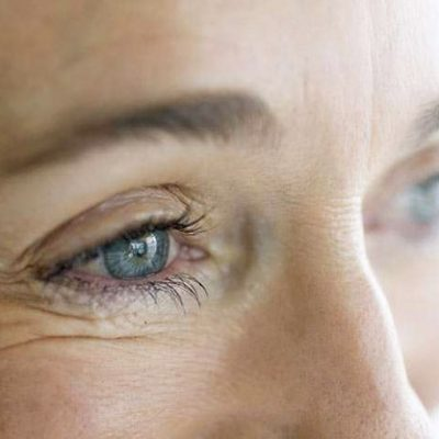 Top 10 Bad Habits that are Aging Your Eyes