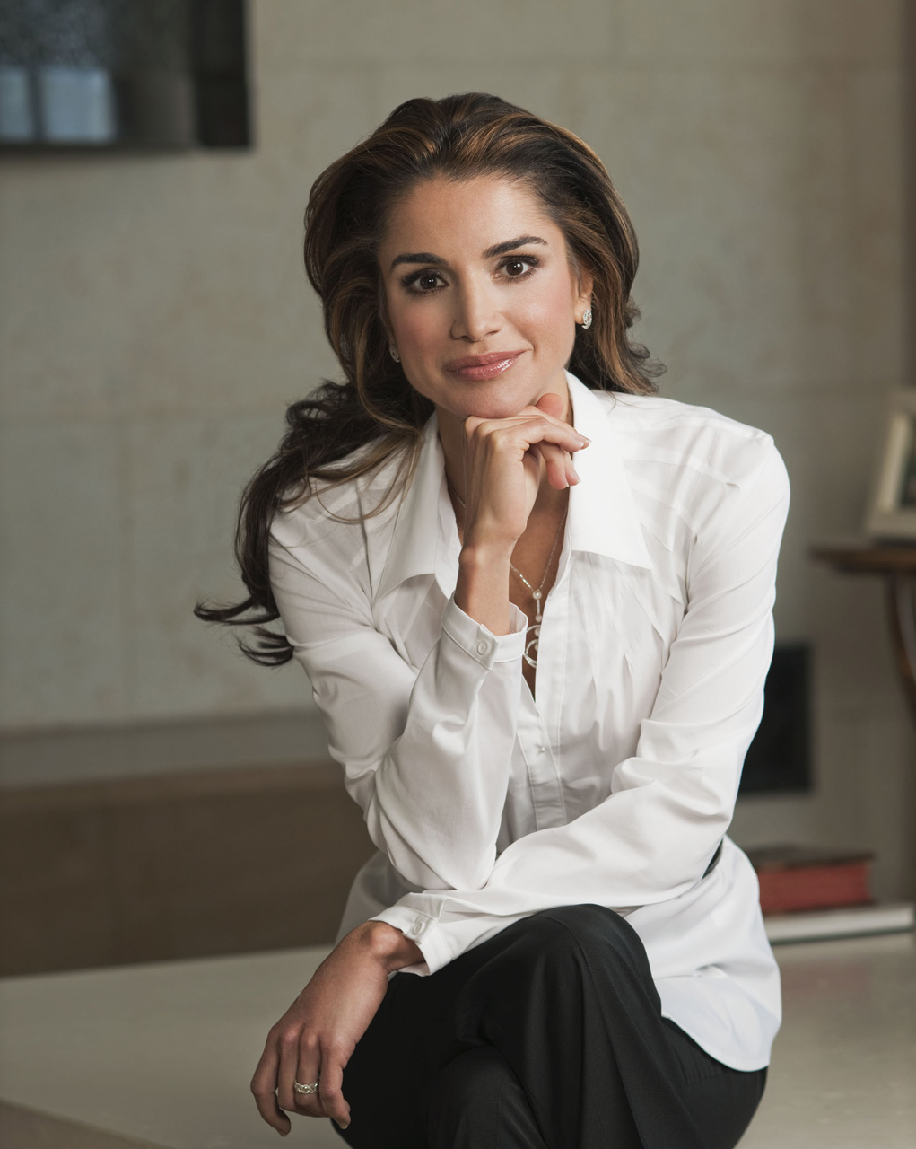 Queen Rania's Makeup, Beauty And Fitness Secrets Revealed