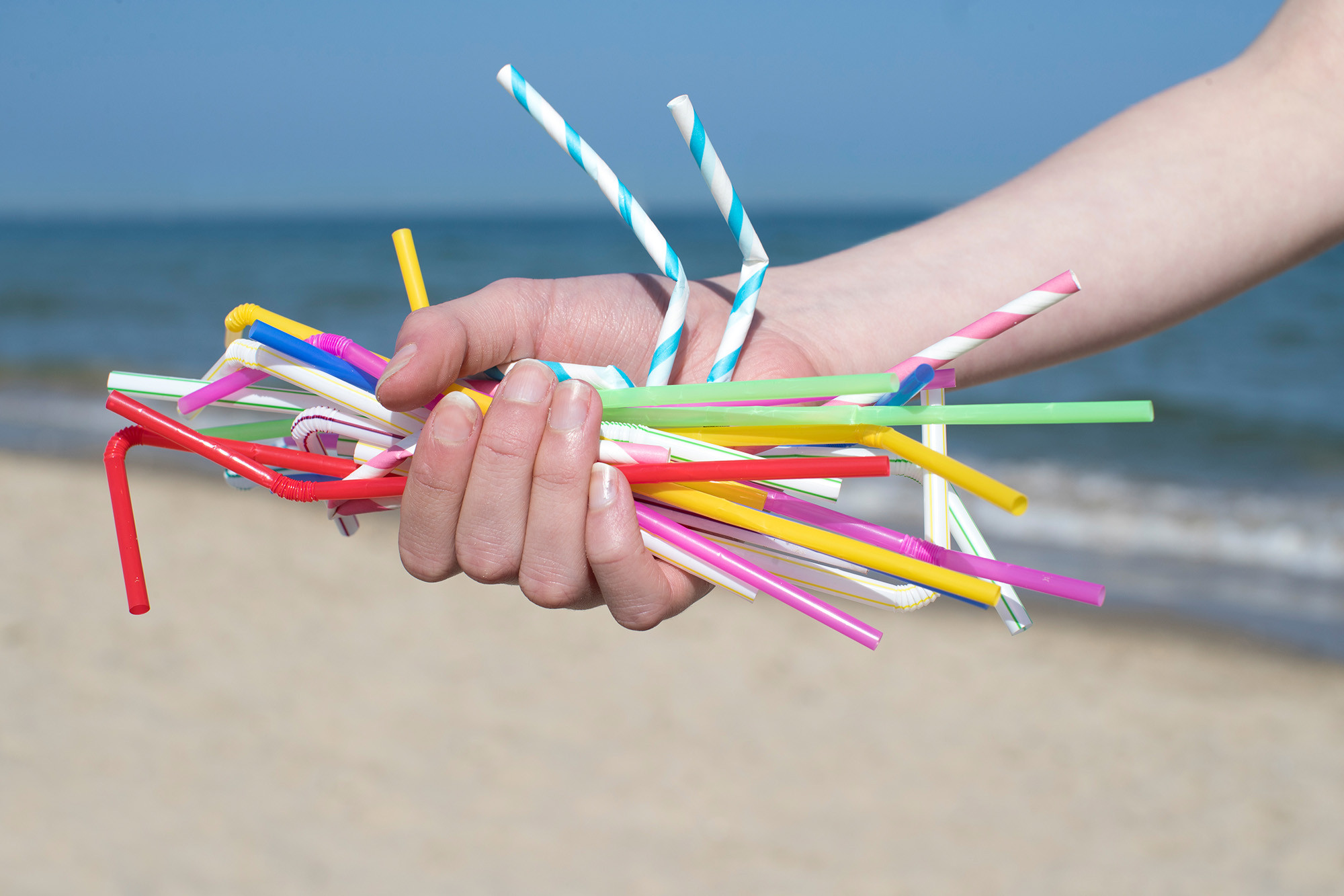 plastic-straws