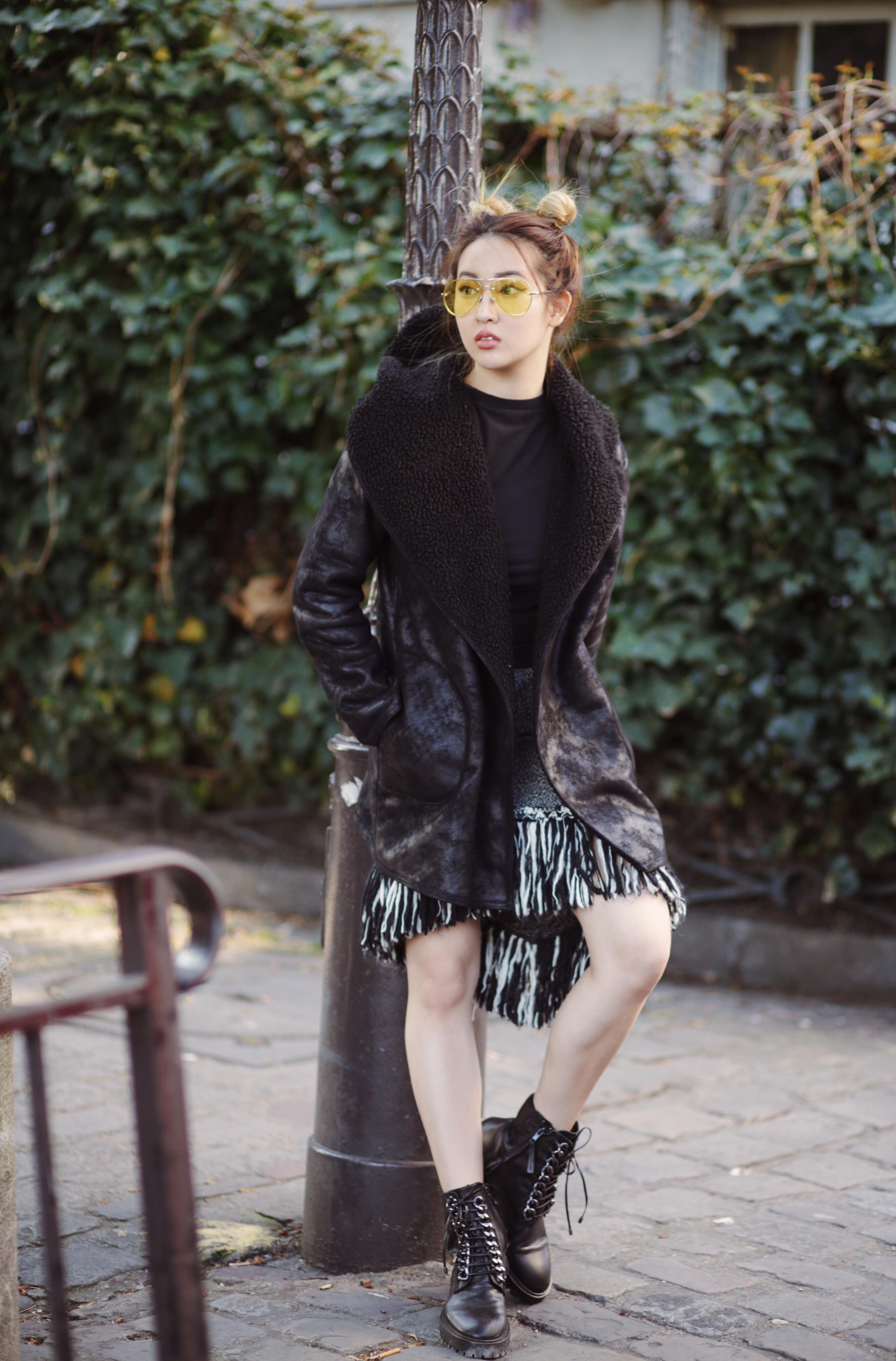Ann Louie Li &quot;width =&quot; 2697 &quot;height =&quot; 4096 &quot;/&gt;</p><p>Ann Louie Li est une actrice philippine-chinoise-taïwanaise, mannequin et blogueuse de mode qui a rassemblé plus d&#39;un million d&#39;adeptes sur Facebook. Elle a un blog de photographie appelé Annsnaps, qui fournit des conseils sur la mode et le style de vie à ses nombreux fans. En 2017, le magazine Forbes l&#39;a inscrite sur la liste «30 moins de 30 ans» d&#39;Asie sous «Les arts» <sup id=