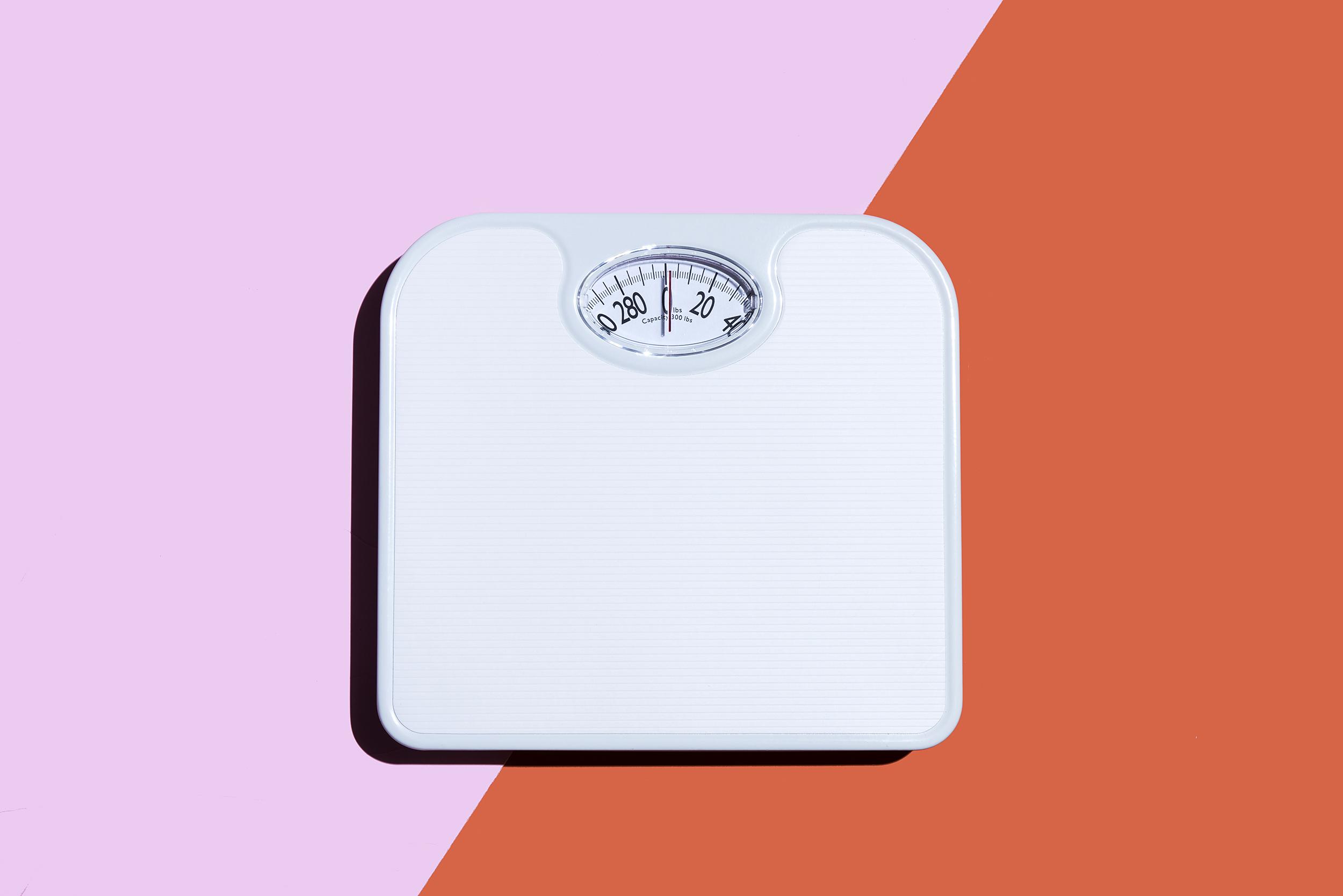 Obésité &quot;width =&quot; 2500 &quot;height =&quot; 1668 &quot;/&gt;</p><p>Pour certaines personnes, ce n'est pas toujours facile. Des millions de personnes ont du mal à faire de l&#39;embonpoint en raison de leur âge et de leur taille. Ceci est mesuré en utilisant l&#39;indice de masse corporelle (ou IMC). Un IMC de 25 ou plus est considéré en surpoids. Une mesure de 30 ou plus est considérée comme obèse.</p><p>De nombreux facteurs entraînent un surpoids ou sont considérés comme obèses. Certaines personnes ont des raisons génétiques ou physiques qui empêchent leur corps de brûler efficacement les graisses. D&#39;autres sont considérés comme faisant de l&#39;embonpoint en raison de leurs propres habitudes alimentaires, de leur manque d&#39;exercice physique, d&#39;une mauvaise santé mentale, du stress, de l&#39;anxiété ou d&#39;autres raisons.</p><p>Il existe des sites internet contenant des informations sur <a href=