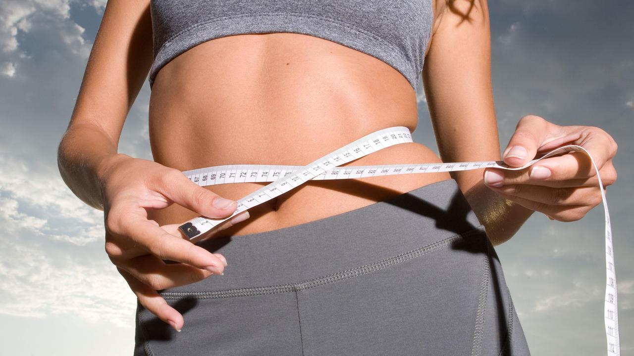 Perdre du poids &quot;width =&quot; 1280 &quot;height =&quot; 720 &quot;/&gt;</p><p>Êtes-vous fatigué de votre ventre en gelée? Embarrassé par vos ailes de bingo? Vous en avez assez de souffler et de gonfler votre chemin en montant la colline alors que votre corps prend la charge? Manger, c&#39;est amusant, mais malheureusement, trop manger ne suffit pas. Si vous avez décidé de perdre du poids, tant mieux pour vous! Ce qu'il vous faut, c'est un plan d'action. Jetons un coup d'œil aux cinq principaux conseils de santé pour perdre du poids. <span class=