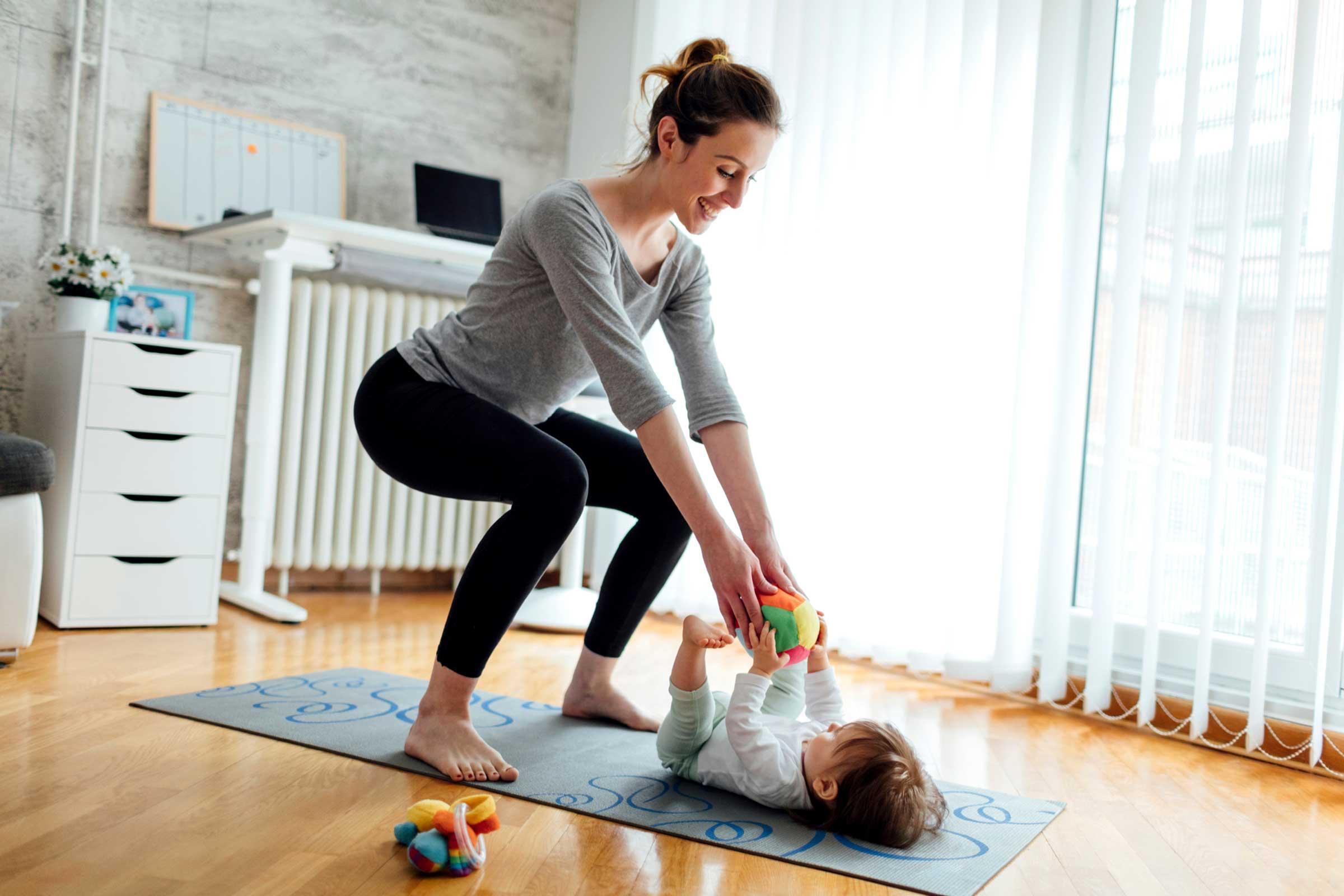 Exercice postpartum &quot;width =&quot; 2400 &quot;height =&quot; 1600 &quot;/&gt;</p><p>Vous avez peut-être déjà eu recours à la méthode Pilates pour vous aider à passer votre semaine, mais vous devrez peut-être au moins changer les choses. Le problème de ce type d'exercices, mais également de crunches, c'est qu'ils exercent une forte pression sur le plancher pelvien. Le résultat est que la guérison de cette région peut prendre plus longtemps et, dans le pire des cas, vous pouvez même mettre vos organes en péril.</p><p>En tant que tel, concentrez-vous sur le renforcement de ce domaine. Jetez un coup d&#39;œil à l&#39;une des nombreuses <a href=