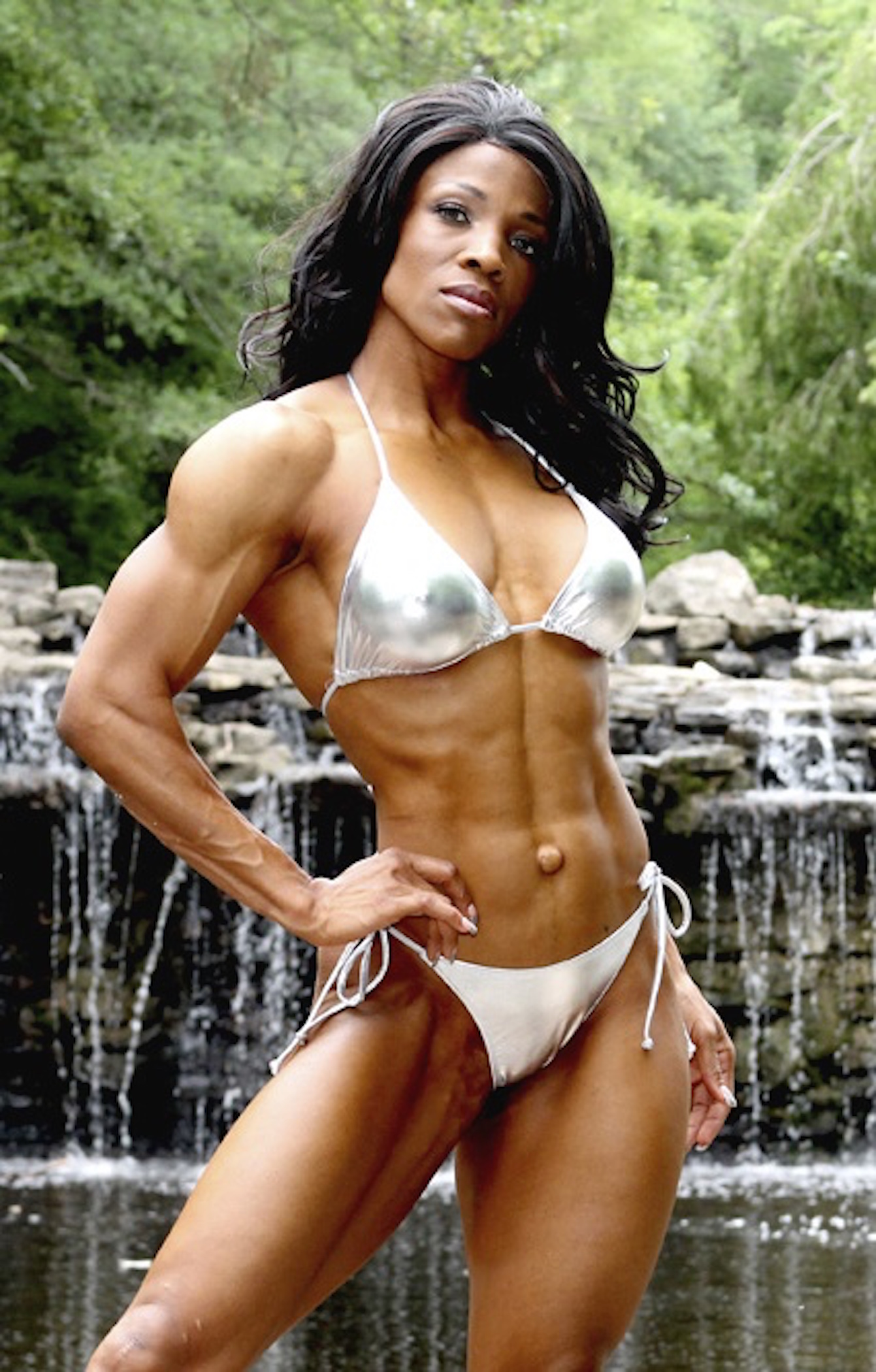 IFBB Figure Pro Mayla Ash