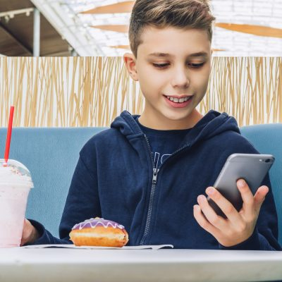 Influence of social media on children's food intake