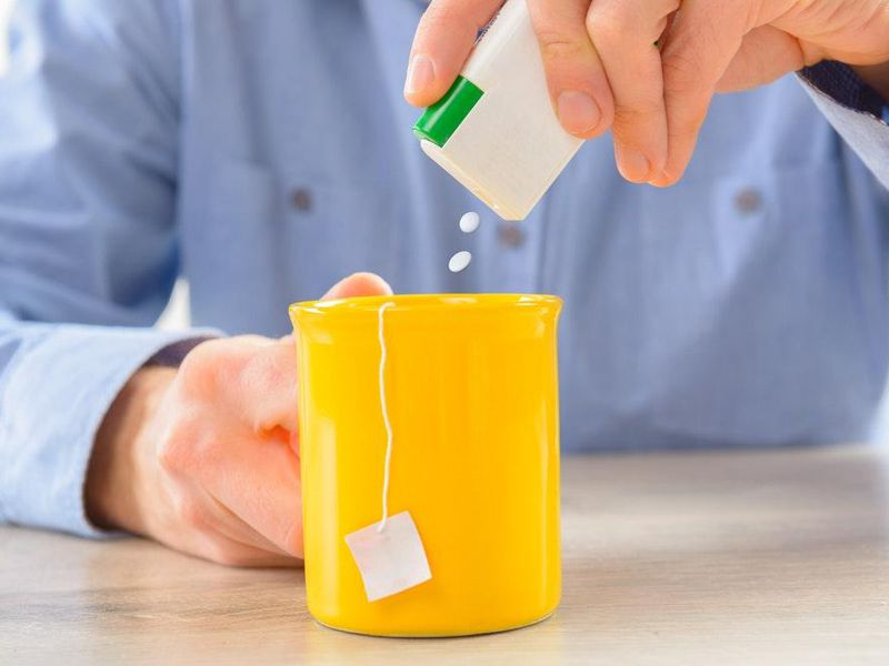 Low-calorie sweetener