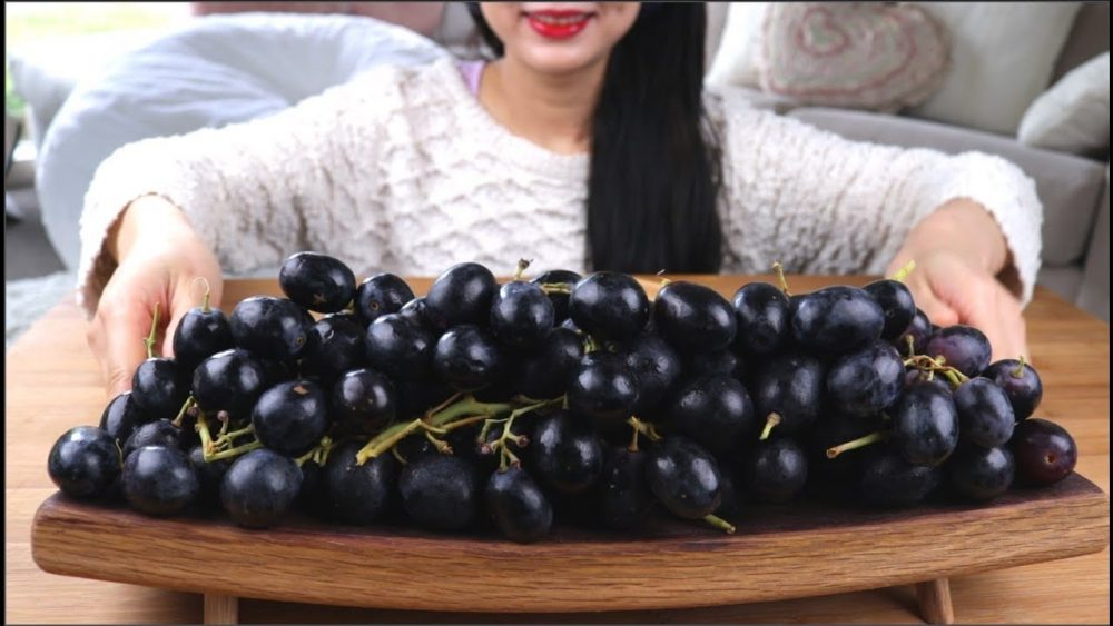 Health Benefits Of Eating Black Grapes Women Fitness