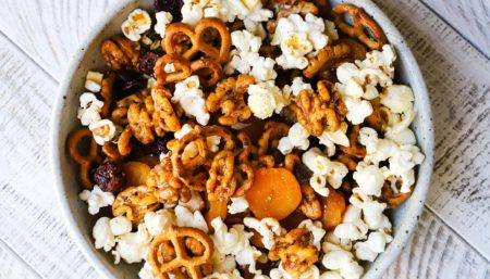 Walnut Snack Mix